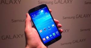 Samsung Galaxy S4 in my hand