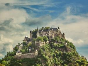 4 castle