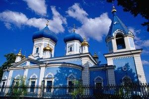 1 Moldova_Moldovan-church_2728