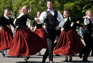 7 Traditional dancers in Latvia