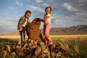 1 _nomadic_children_mongolia_zellner