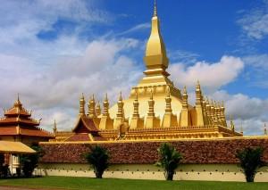 3 Pha-That-Luang