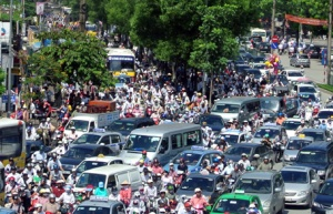 2 traffic-jams-are-a-daily-occurrence-in-hanoi-525815-dsc-1841-9cb94