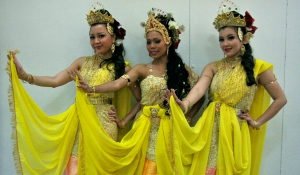 Traditional Malaysian Dancers