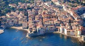 Vue aérienne du village de st-tropez