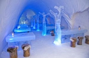 Lumi Linna Snow Hotel