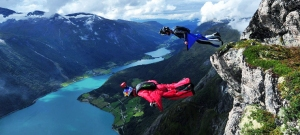 wingsuit-jump-in-flo-near-stryn-norway