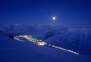 winter-night-svalbard-norway