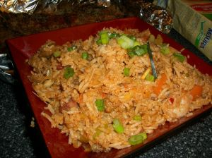 1024px-Fried_rice_in_Singapore