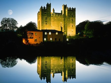 Bunratty_Castle_County_Clare_Ireland