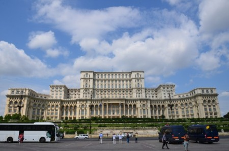 Palace-of-the-Parliament-Bucharest-Romania-3-620x410