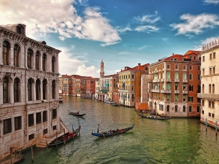 canals-of-venice-italy-4506x3385_20136
