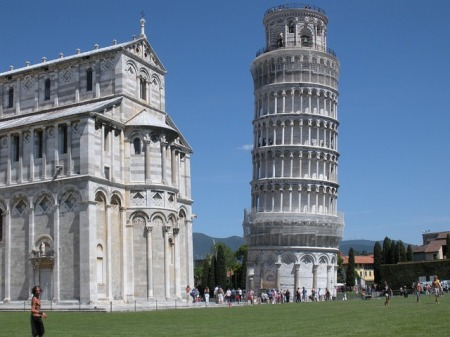 leaning-tower-of-pisa-and-cathedral-italy