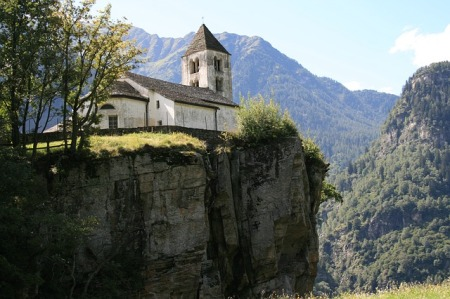 church-abyss-ticino-bergdorf-switzerland