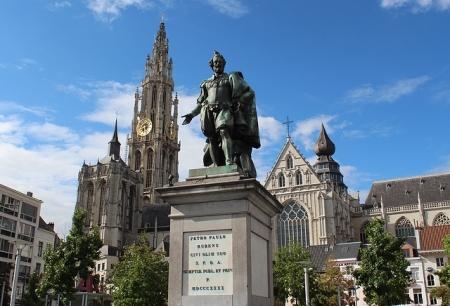 petro-paulo-statue-belgium-4050x2760_96250