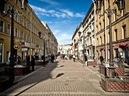 st-petersburg-russia-city-buildings-shops-stores