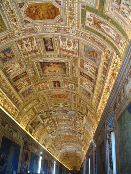 rome-vatican-city-ceiling-painting